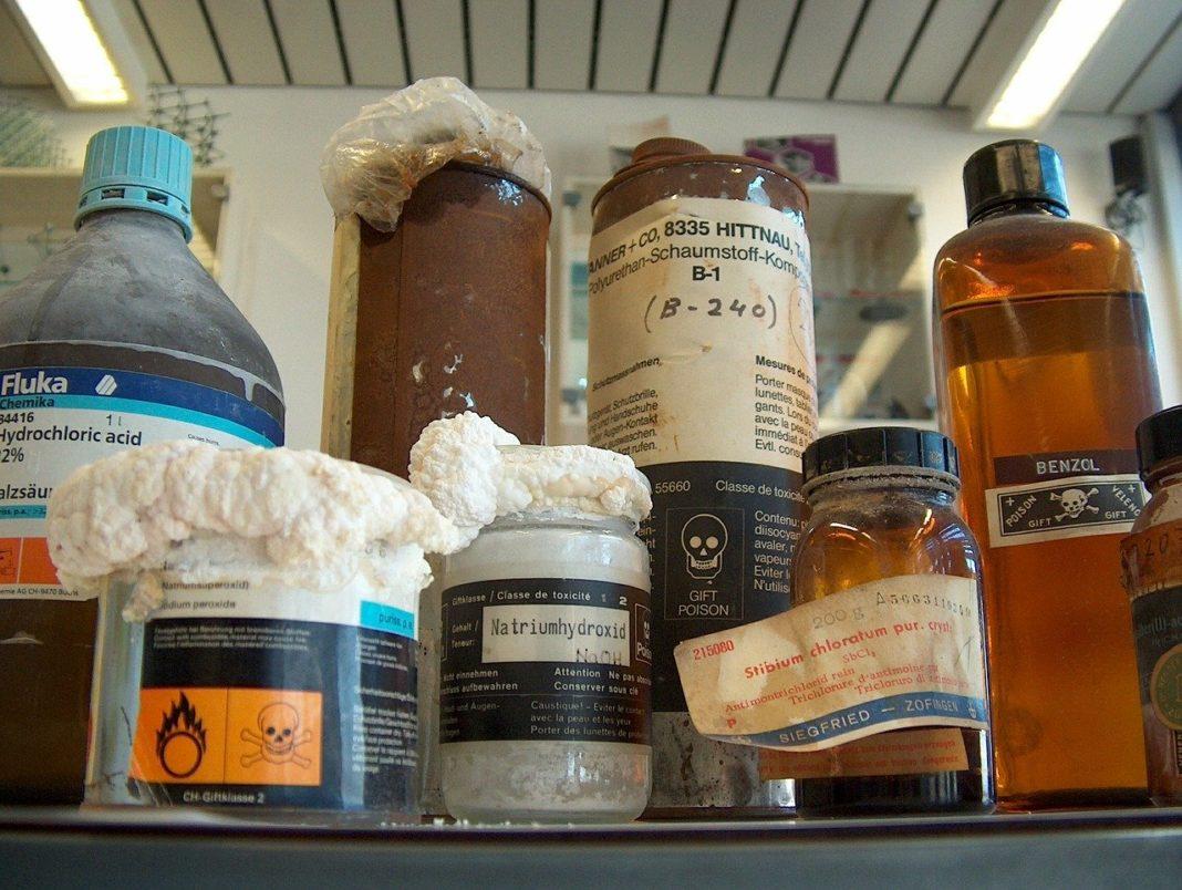 Czy takie odpady niebezpieczne jak leki czy substancje chemiczne będą spalane w Przewrtonem? fot. pixabay